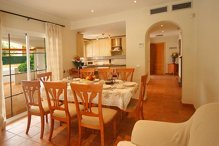 Kitchen Dining room Casa Sierra